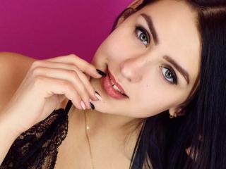 BlurE模特的性感个人头像,邀请您观看热辣劲爆的实时摄像表演!