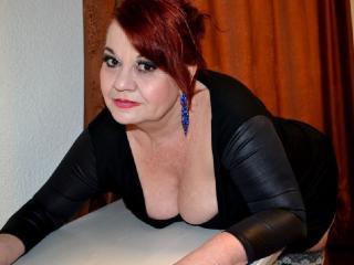 LucilleForYou模特的性感个人头像,邀请您观看热辣劲爆的实时摄像表演!